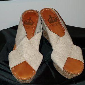Women's Crown Vintage Wedge Sandal